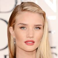Side-Swept Glamour: Rosie Huntington-Whitely