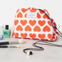 The makeup bag