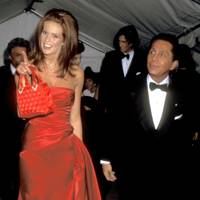 Elle Macpherson and Valentino, 1995