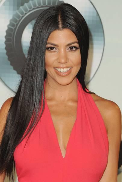 Kourtney Kardashian 🐝