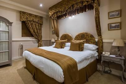 Best Cheap Hotels: Lumley Castle, Durham