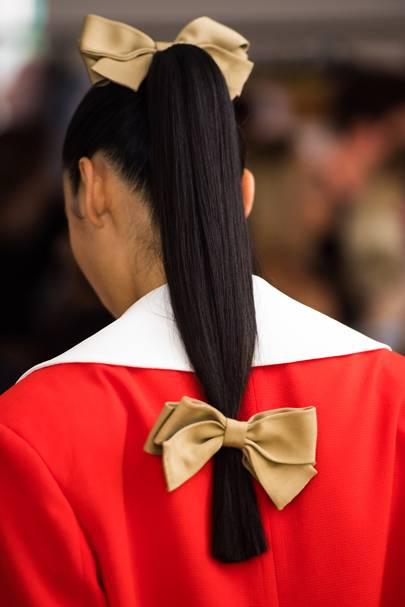 Bold bows