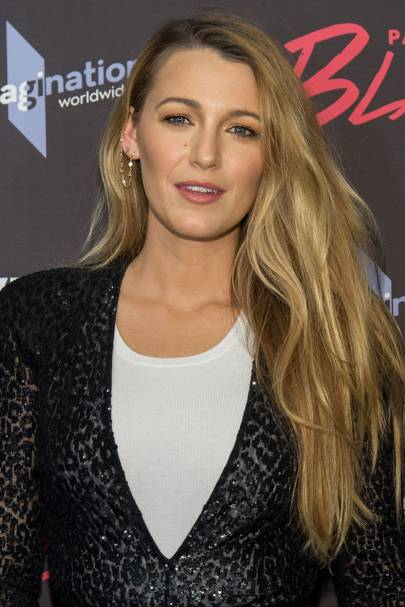 Blake lively hairstyles blake lively hair gossip girl hair rocking a classic blake look the actress looked gorgeous on the red carpet we just never get bored of looking at her hair urmus Image collections