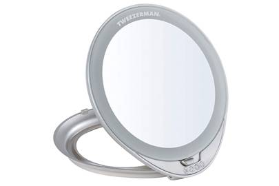 Best light up mirror if you want your makeup to look great from day to night