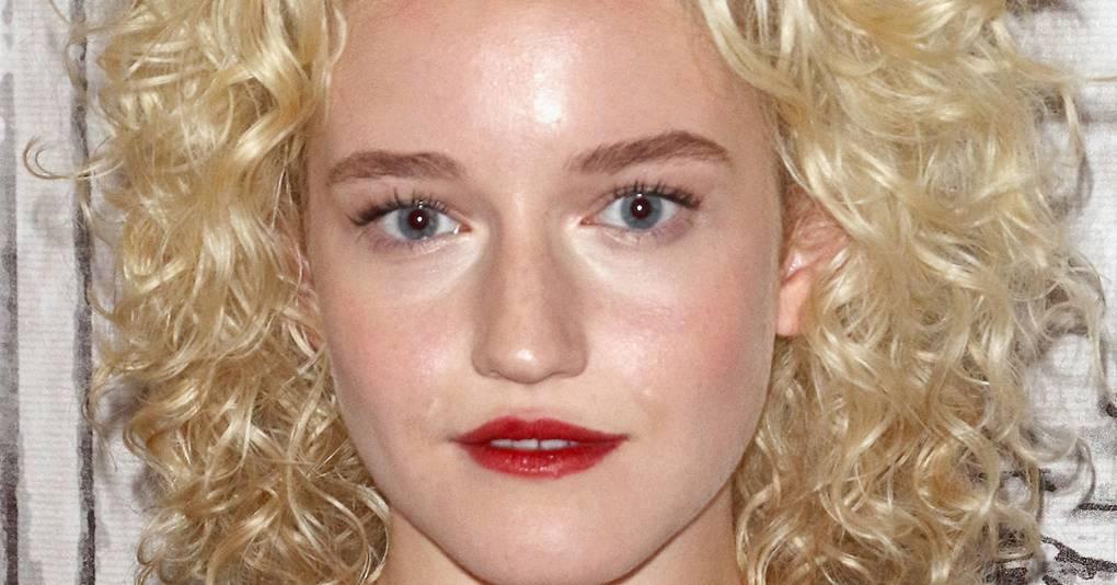 Ozark Julia Garner Hair, Curls & Red Lipstick