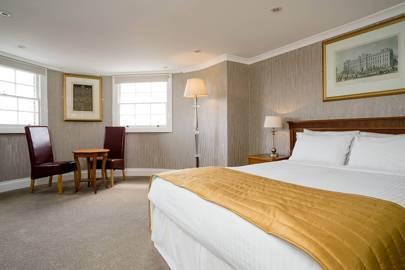 Best Cheap Hotels: The Clarendon, London