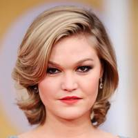 Old-School Glamour – Julia Stiles