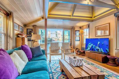 Houseboats in London to rent: Tower Bridge