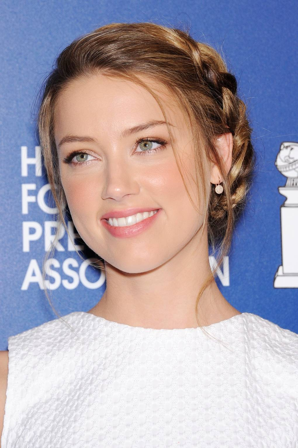 amber heard pictures hair makeup beauty looks glamour uk