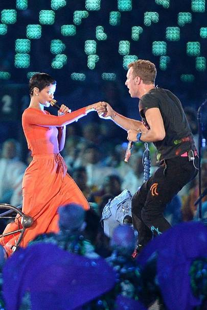 Rihanna & Chris Martin perform at the Closing Ceremony