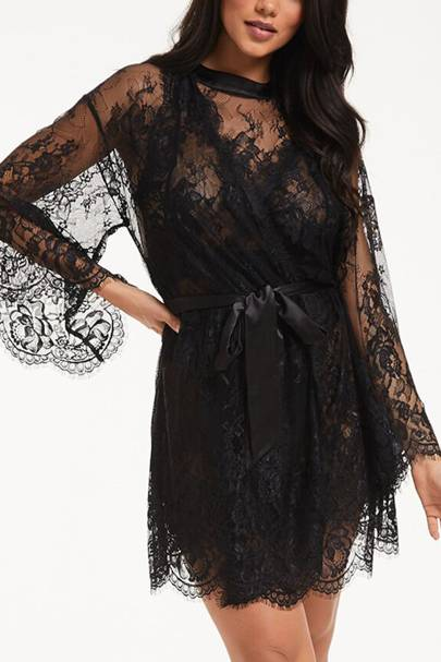 Bridal robes: the lace robe