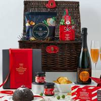 Christmas Hamper: Perfect for opening on the 25th