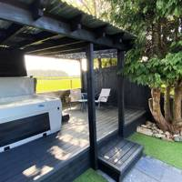 Holiday cottages with hot tubs: Suffolk