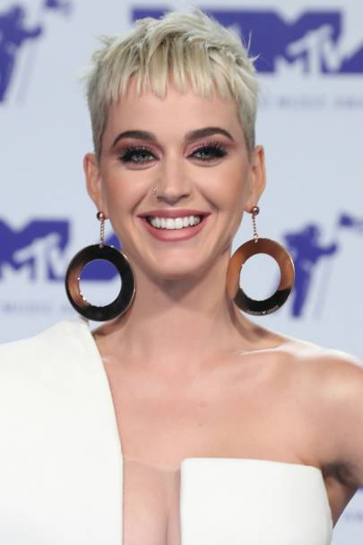 Katy Perry Short Hair Blonde Pixie Crop Glamour Uk