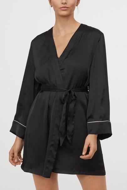 Bridal robes: the monochrome robe