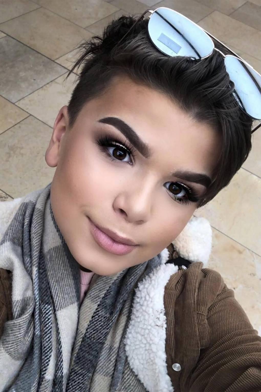 Black male makeup youtubers
