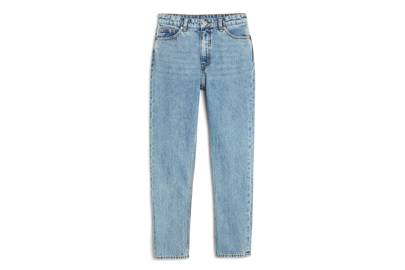 The high-waisted mom jeans style is still going strong