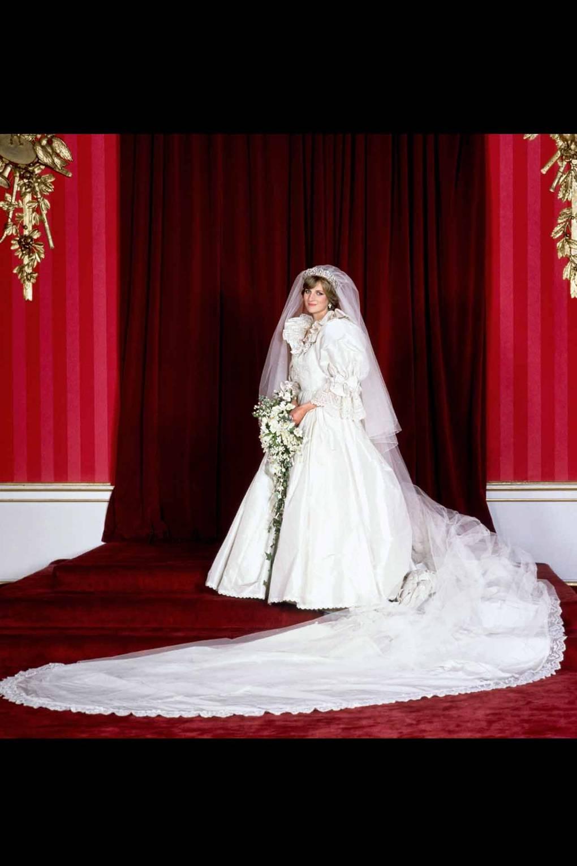 Princess Diana wedding dress returned William Harry   Glamour UK