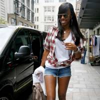 Kelly Rowland – Denim Shorts