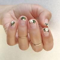 Bouquet nails