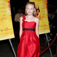 Lady In Red - Dakota Fanning