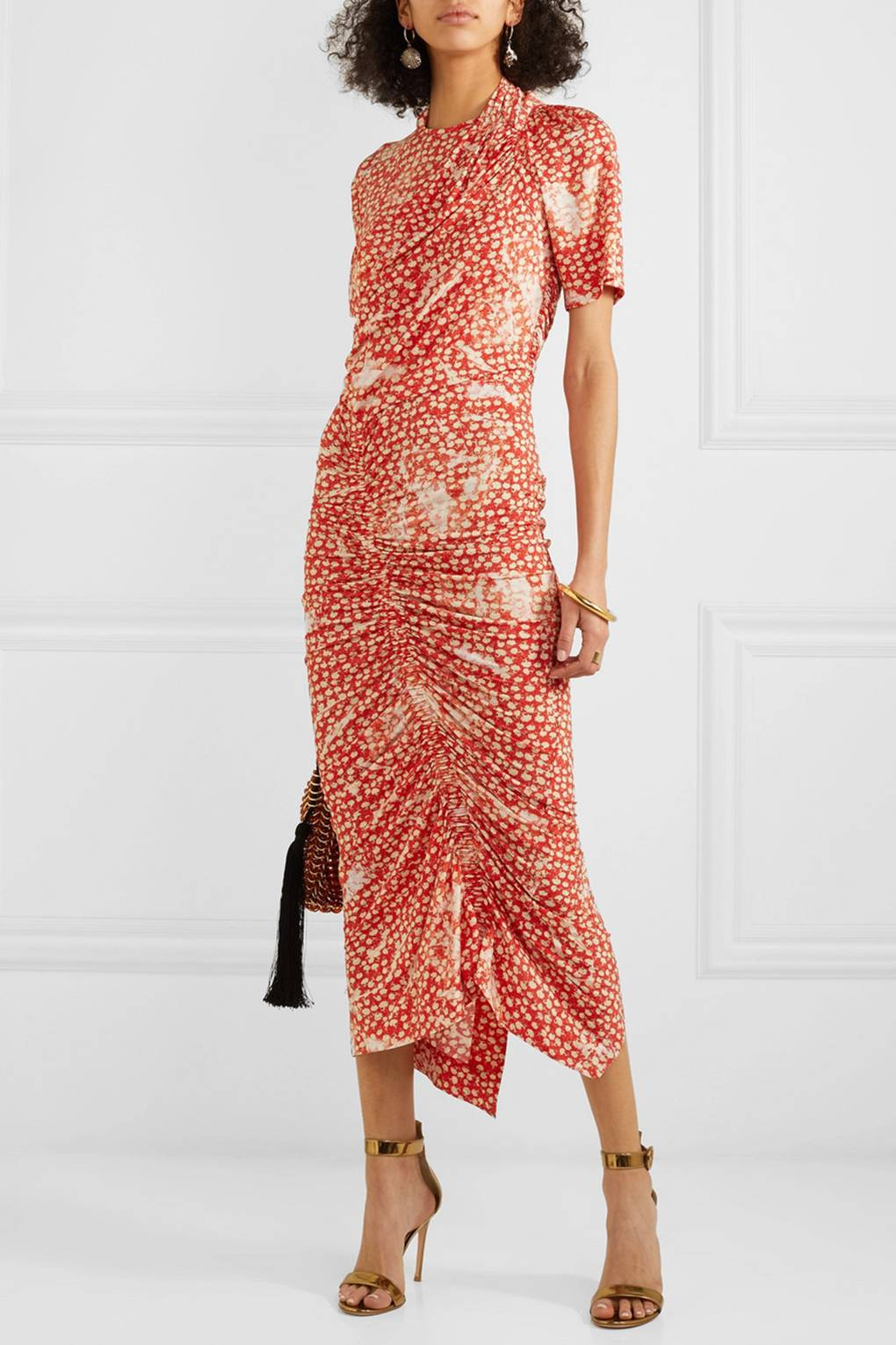 e290bb4f6dc Chic Spring Wedding Guest Dresses - What To Wear To A Wedding In 2019