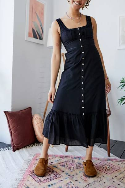 SUMMER DRESSES FOR BIG BOOBS: The Button-Up LBD