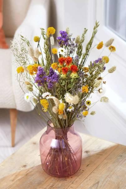 Dried flowers letterbox: limonium, gypsophilia, craspedia and fluffy bunny tails