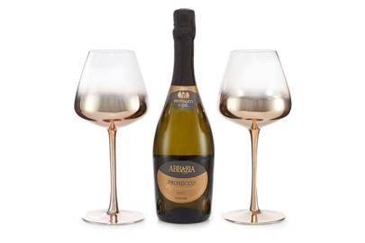 Set Of Two Wine Glasses With Prosecco