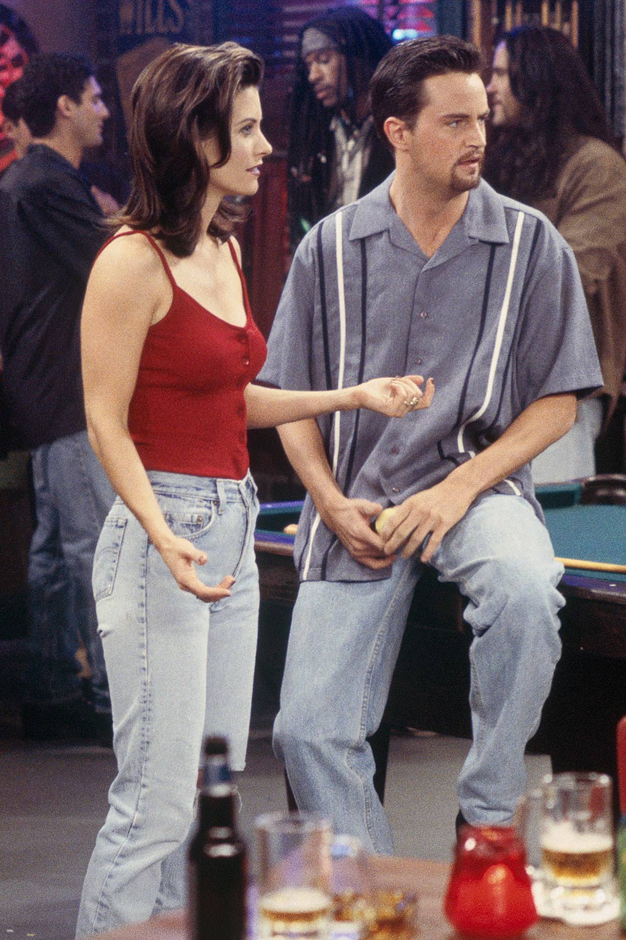 Best Outfits From Friends: 7s TV Fashion We Still wear today