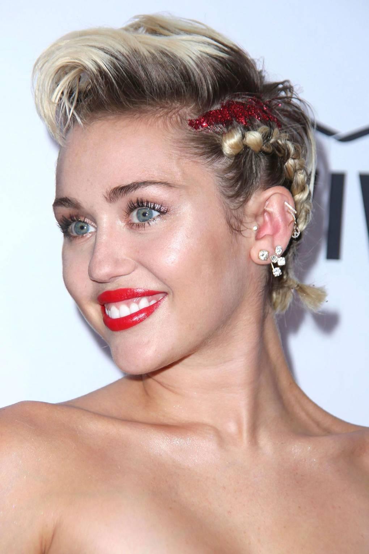Short Hair Braids: How To Plait Your Pixie Crop | Glamour UK