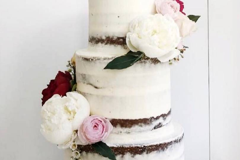 latest wedding cakes 2018 2018 wedding cake trends uk 16755