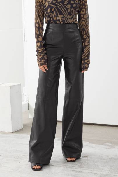 Leather trousers: the wide-leg pair