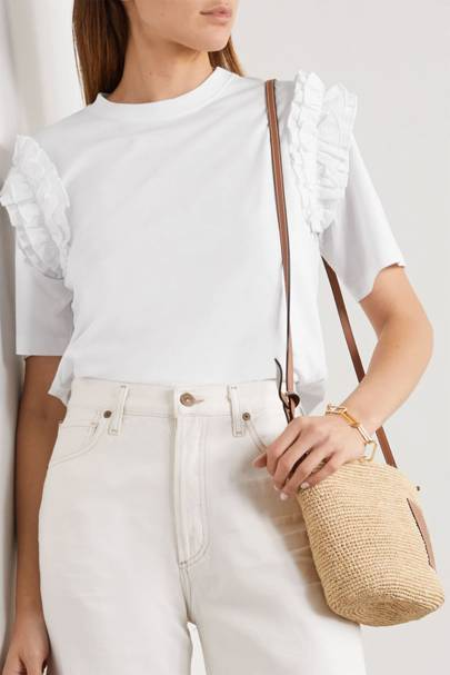 Best white t-shirt women: the one for the weekend