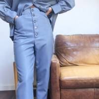 Leather trousers: the colour-pop pair