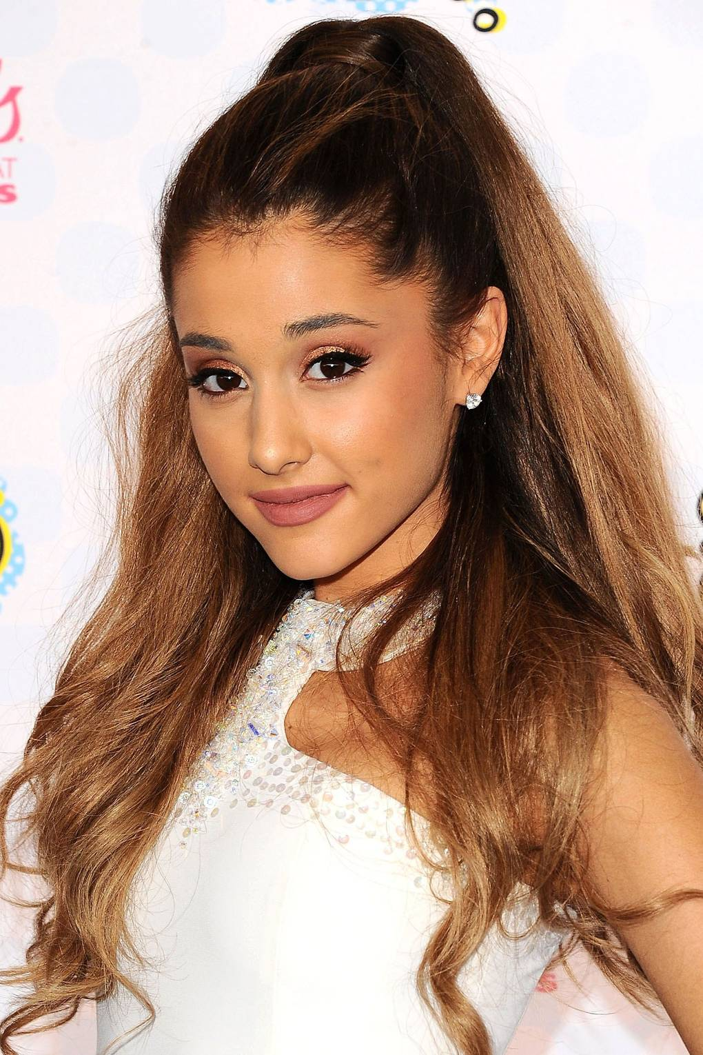Ariana Grandes Best Hair Make Up Beauty Looks Glamour Uk