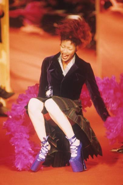 Naomi Campbell's catwalk fall