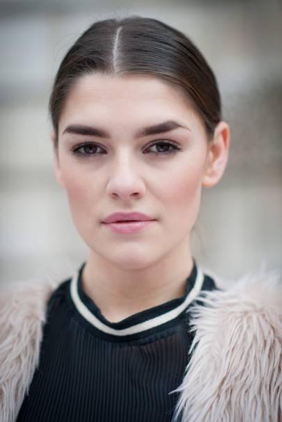 Kelly Horrigan, Model