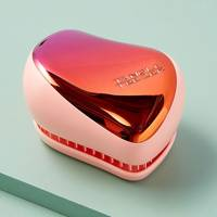 Gifts for teenage girls: the hair brush
