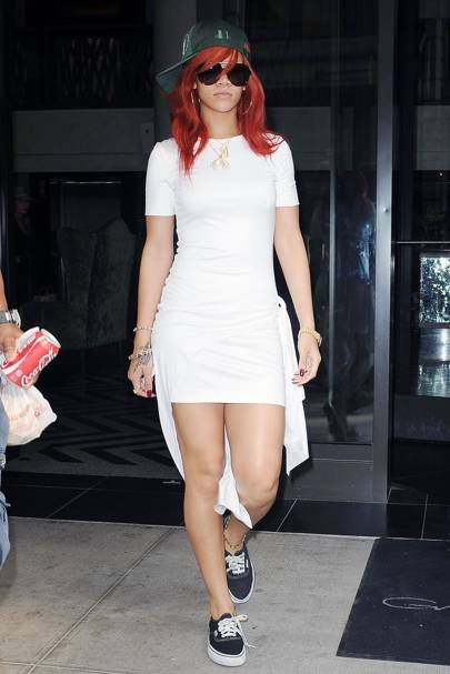 Rihanna – Woman In White
