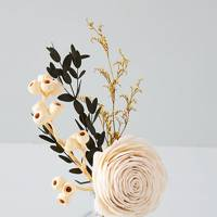 Dried flower diffuser