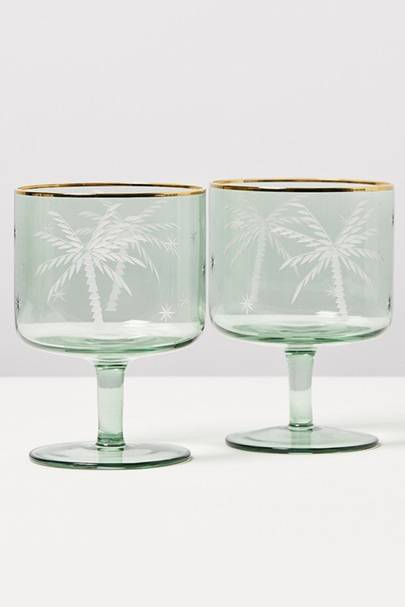 Best gift for a Taurus: Glassware