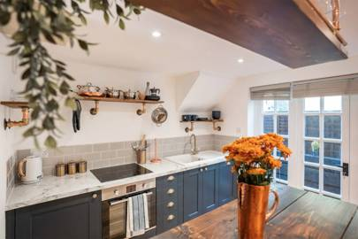 Best Hampshire honeymoon Airbnb