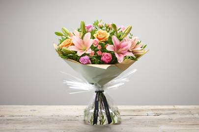 Best flower delivery service for gifts, plants and hampers