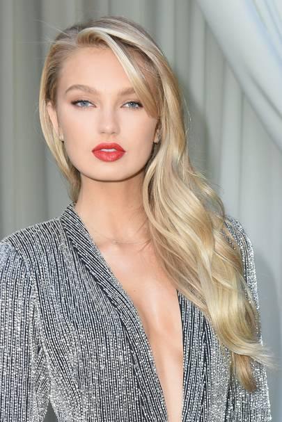 Chrissy Teigen Blonde Hair New Hair Colour 2017 Glamour Uk