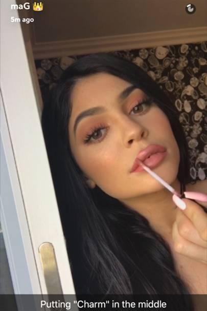 Kylie Jenner Velvet Lip Kit - Snapchat Pictures