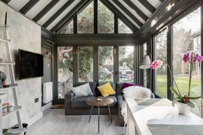 Best London honeymoon Airbnb