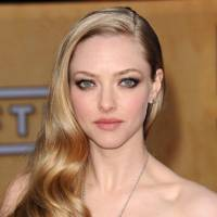Side-Lined - Amanda Seyfried