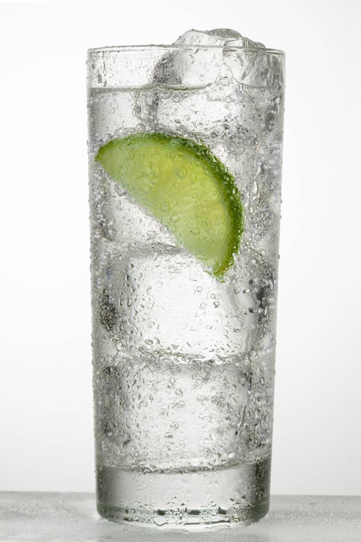 Boire de l'eau contre la cellulite