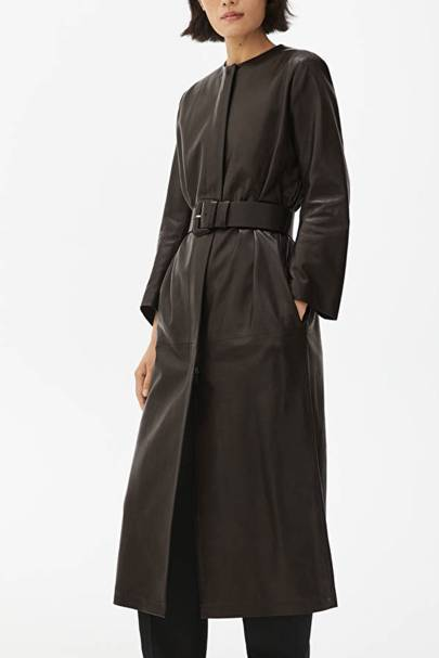 Leather coats: the belted coat